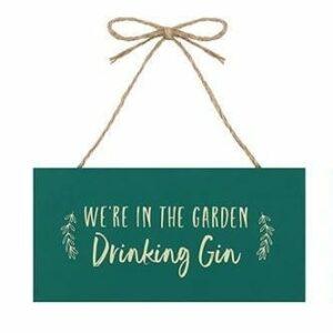 GG_557382-drinking-gin.jpg